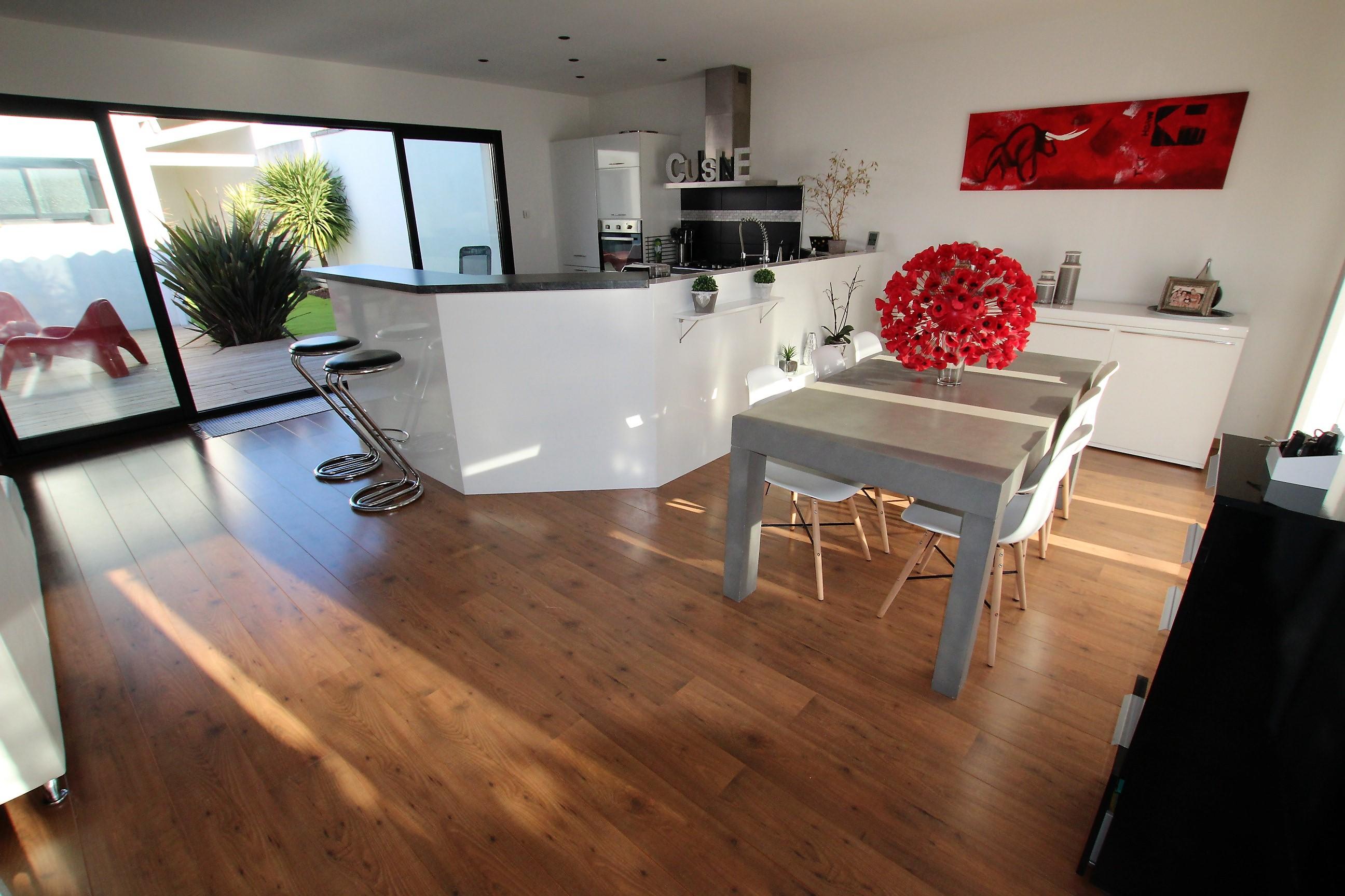 Achat maison superbe maison contemporaine 17230 for Achat maison 04