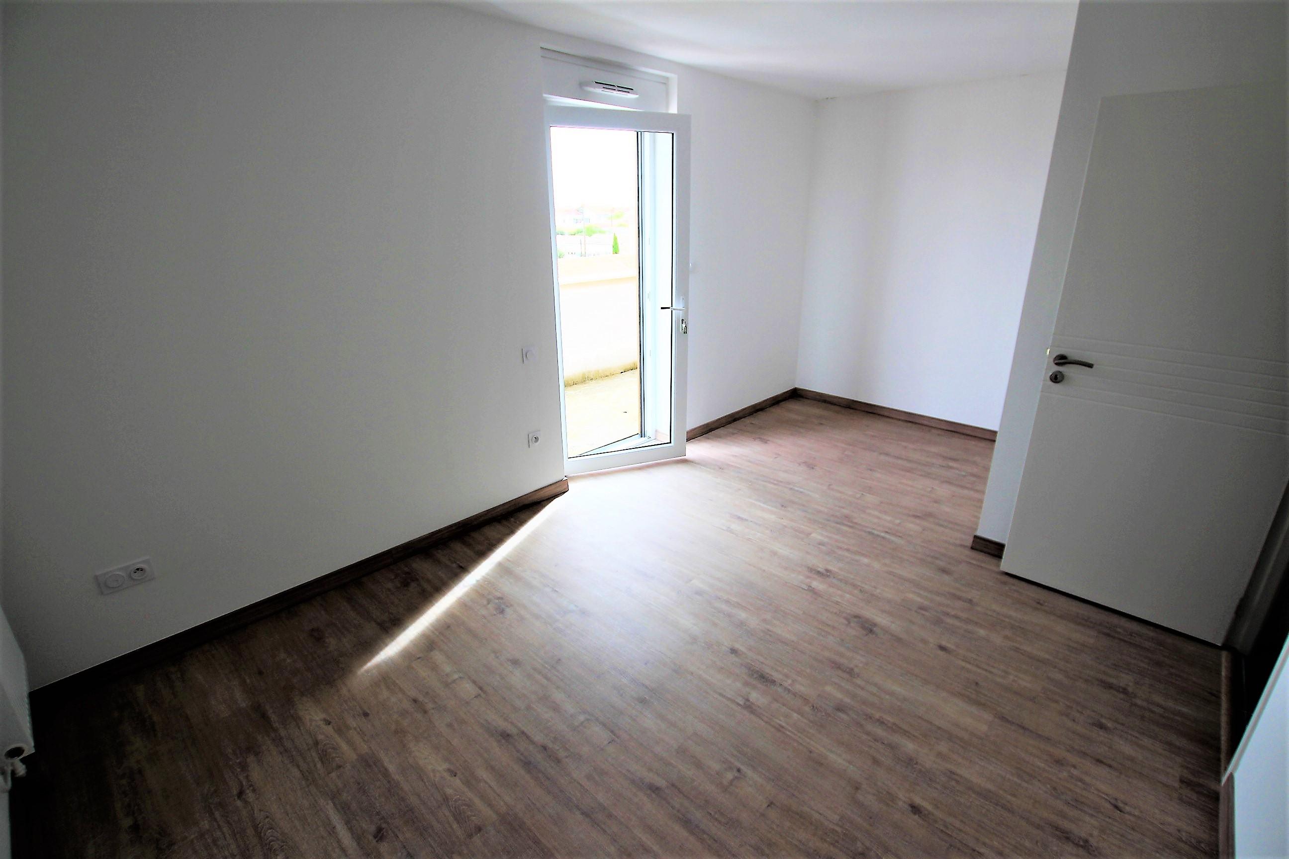 achat appartement appartement t4 de standing la. Black Bedroom Furniture Sets. Home Design Ideas